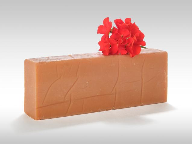 Pain de savon bio à la rose musquée et au Géranium